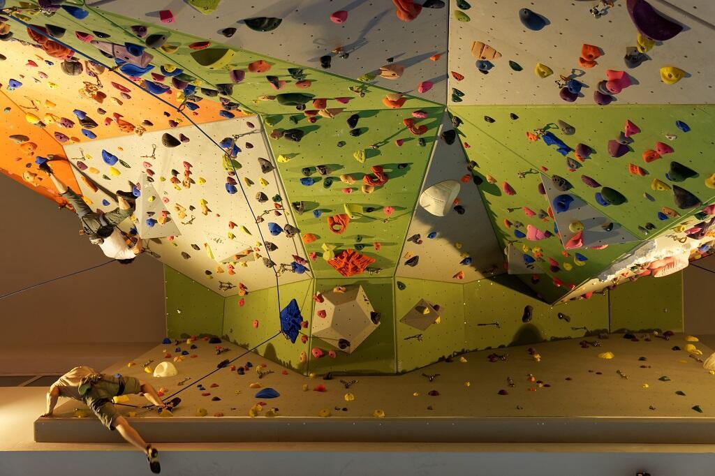 notre mur d 39 escalade et son r glement int rieur club alpin francais saint germain en laye. Black Bedroom Furniture Sets. Home Design Ideas